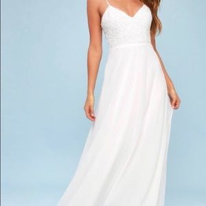NWT Lulus gorgeous white lace wedding dress